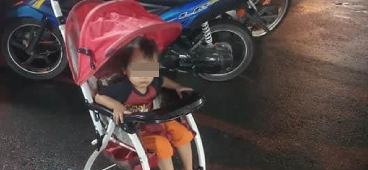 Ojciec zostawił dziecko na środku ulicy i w deszczu, było zziębnięte i przerażone. Kazał robić maluchowi paskudną rzecz
