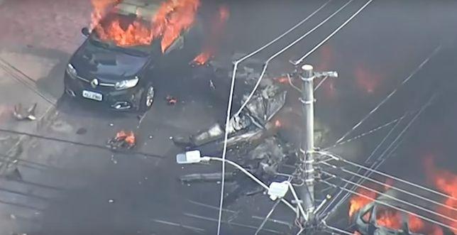 Samolot nagle runął na ziemię, są ofiary śmiertelne. Tragiczne wiadomości obiegły światowe media