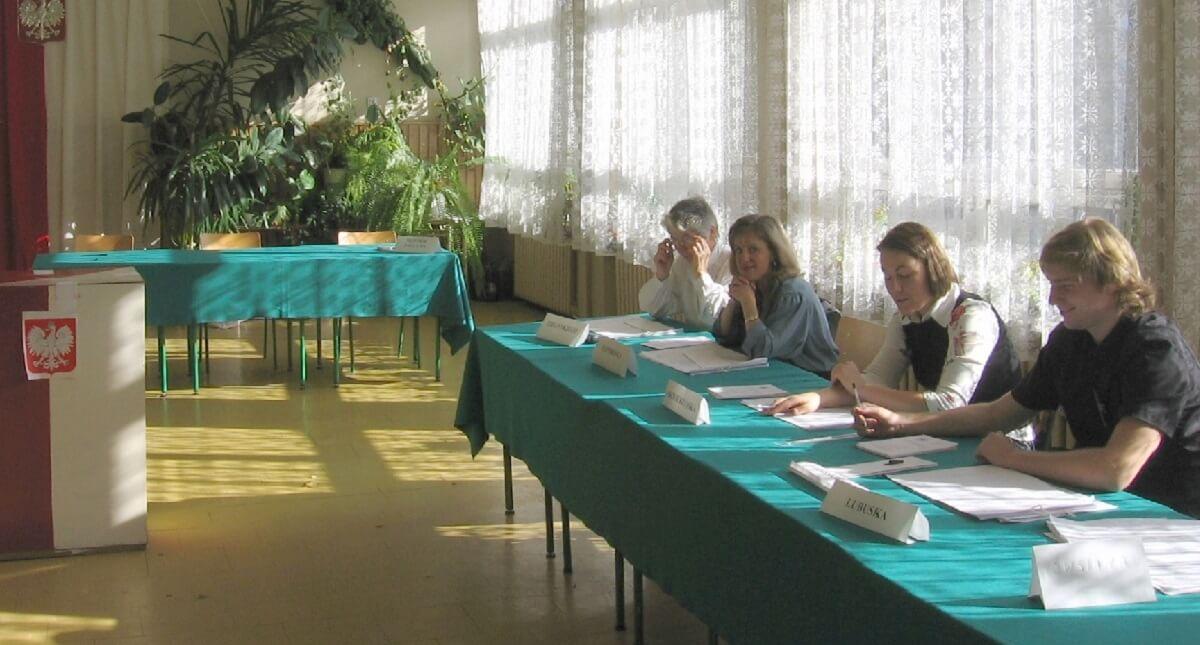 Alarmujące informacje dot. kart do głosowania. Napływają z całej Polski