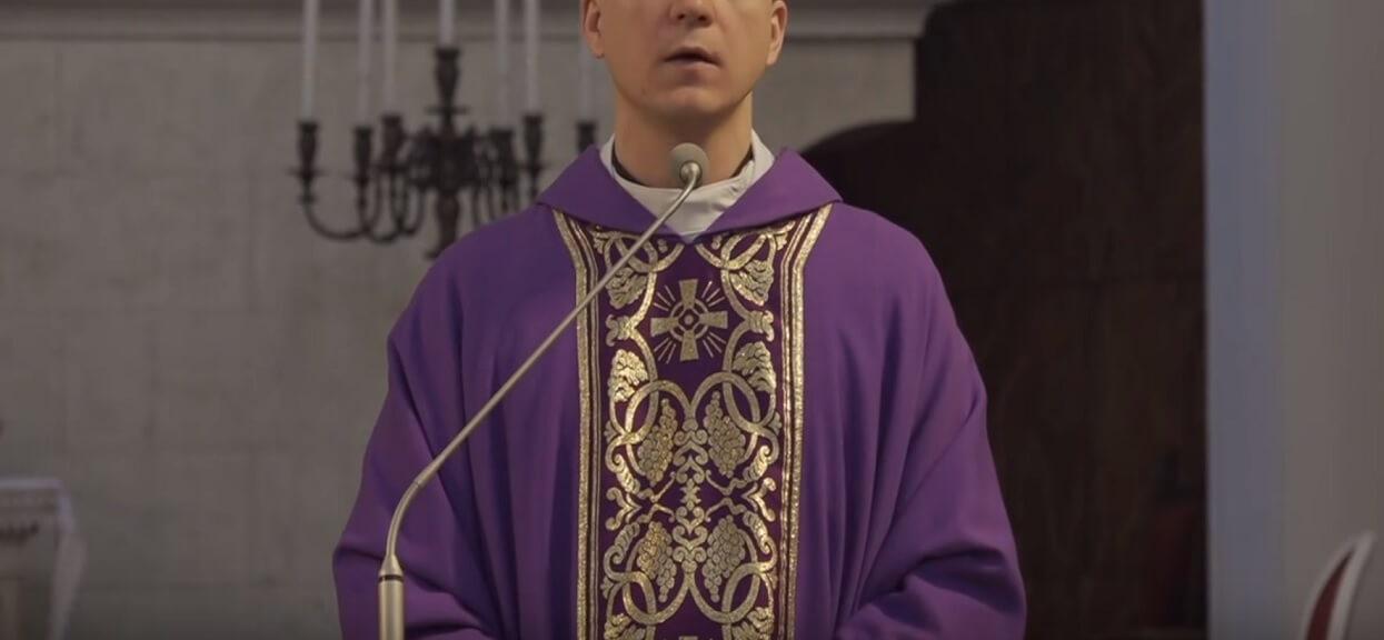 """Ksiądz wywiesił na kościele """"zakaz agitacji politycznej"""". Zachęca do tego resztę duchownych"""