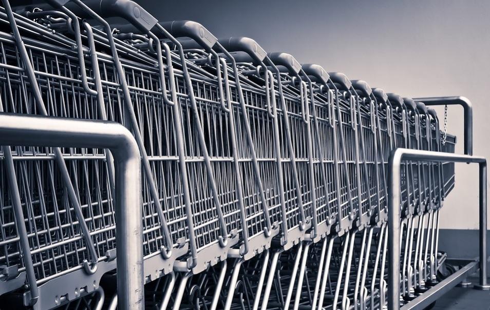 Zakupy to Twój najgorszy koszmar? Przestrzeganie 3 zasad może pomóc w skuteczniejszym zapełnianiu sklepowego koszyka