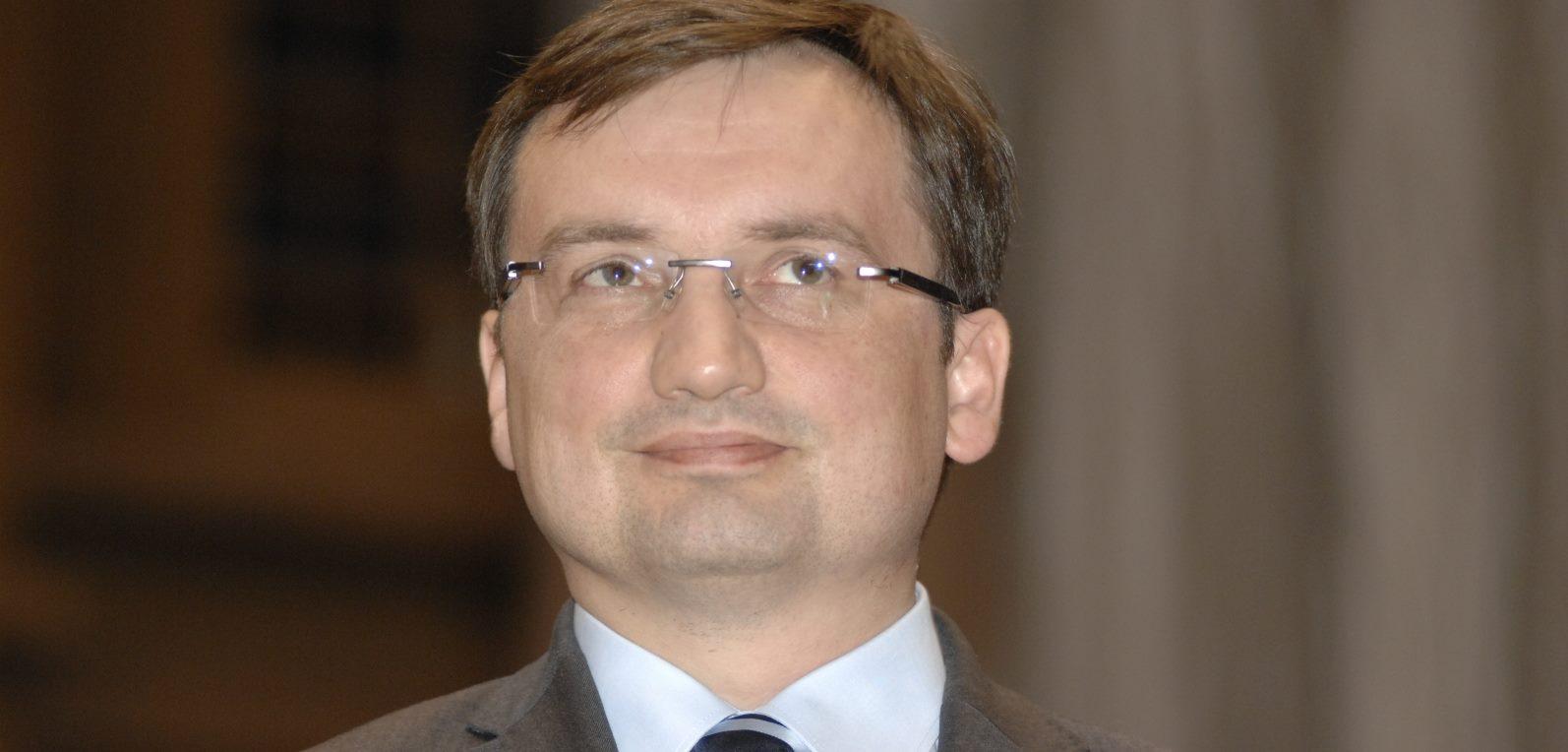Wydał wyroki korzystne dla Pawłowicz, mocno chwali go PiS. Teraz został wylosowany do sprawy, w której pozwanym jest Ziobro