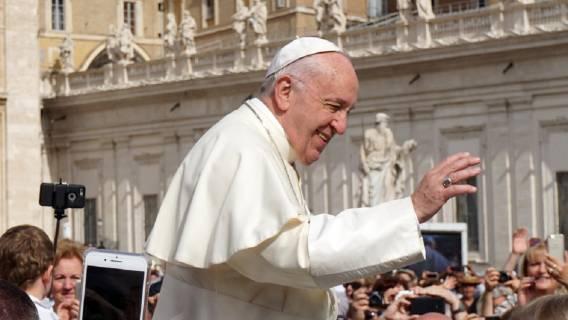 Papież Franciszek będzie pracował z Pawlikowską
