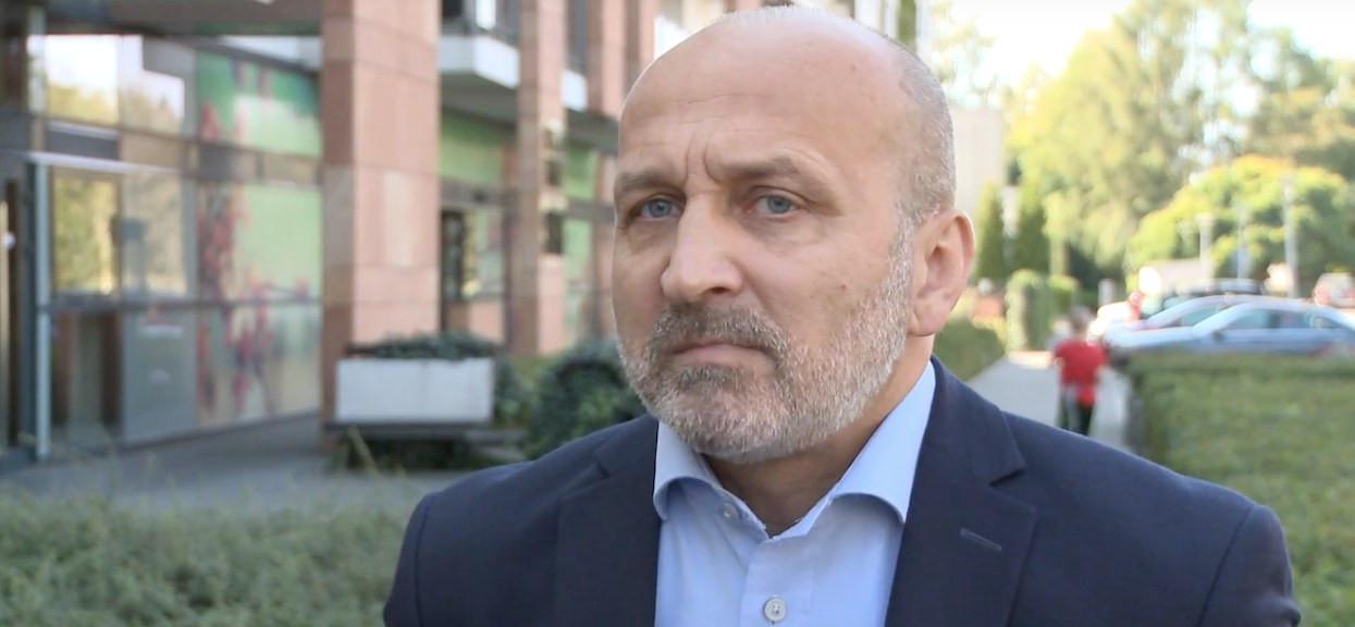 """Kazimierz Marcinkiewicz nadal nie płaci alimentów. """"Jest winny byłej żonie około 150 tysięcy złotych"""", komornik zabierze mu mieszkanie"""
