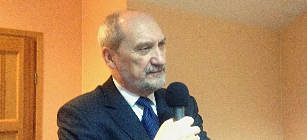 Macierewicz powinien wrócić do rządu? Zaskakujące wyniki sondażu