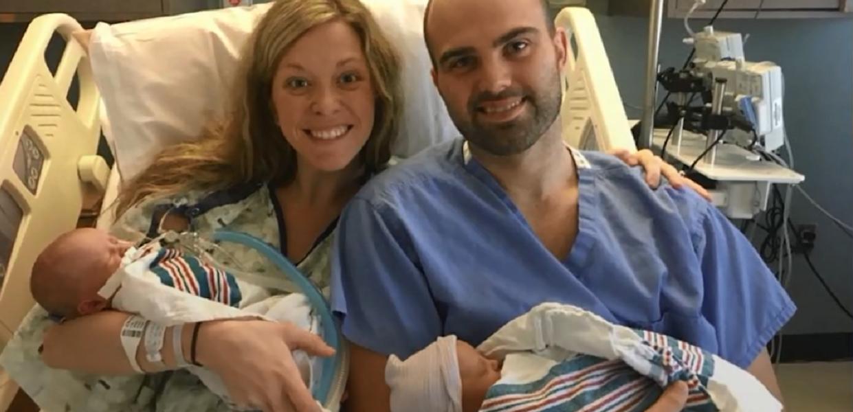 Niewiarygodny poród najmniejszych bliźniaków świata. Zdjęcie mikroskopijnych dzieci chwytają za serca