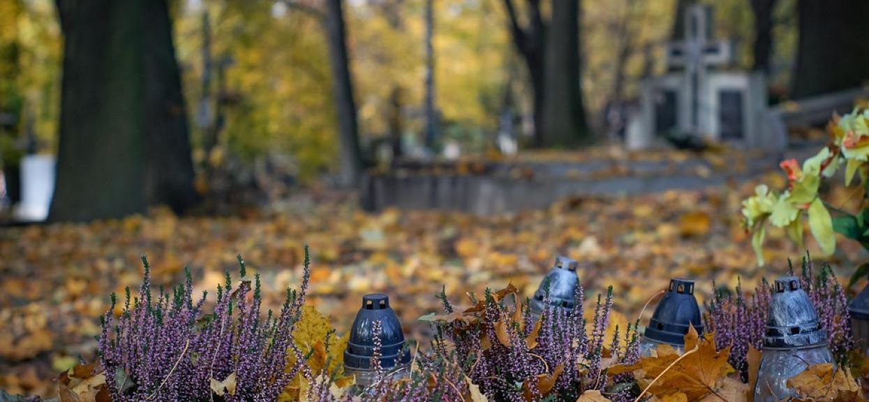 Odkryli, co w nocy zaszło na grobie 8-latka. Mieszkańcy polskiej miejscowości nie mogą się otrząsnąć