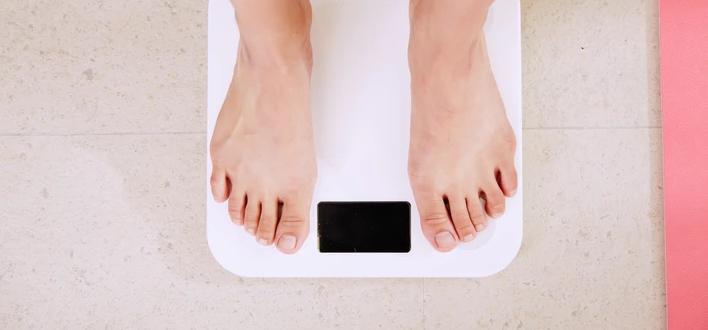 Jeśli zaczniesz już dziś, zdążysz zrzucić 10 kg do Sylwestra. Ekspresowa i bezpieczna dieta, dzięki której nikt nie oderwie od Ciebie wzroku