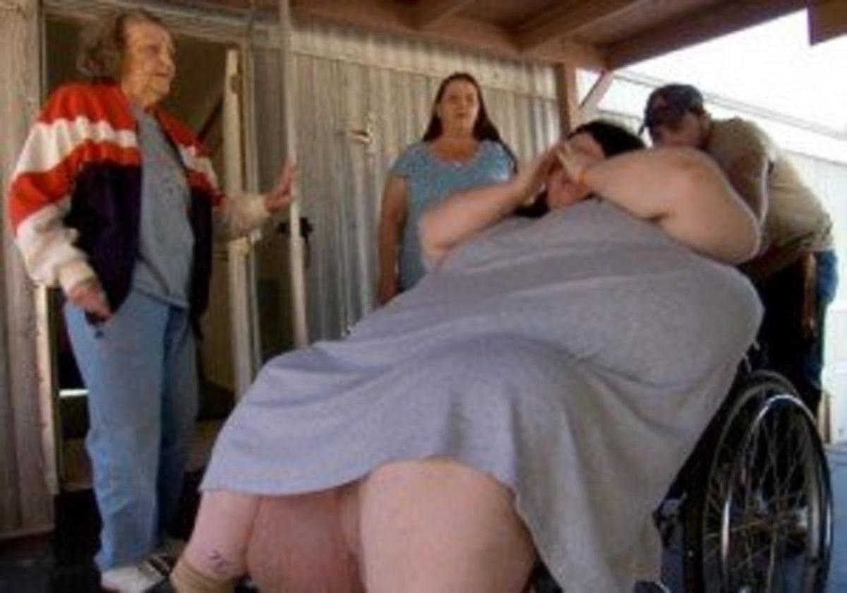 Ważącą 270 kg kobietę przewieziono na porodówkę. Urodziła monstrualnej wielkości dziecko, złapiecie się za głowę na jego widok