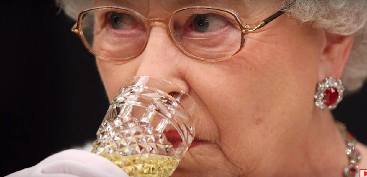 Gigantyczny skandal w rodzinie królewskiej! Syn królowej Elżbiety rezygnuje z obowiązków, w tle afera pedofilska