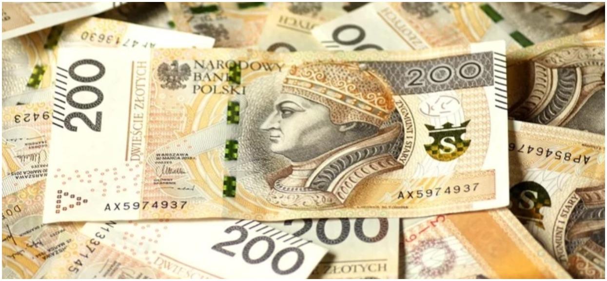 Koniec głodowych emerytur dla wielu Polaków. Dostaną kilkaset złotych miesięcznie więcej, prezes ZUS podała szczegóły