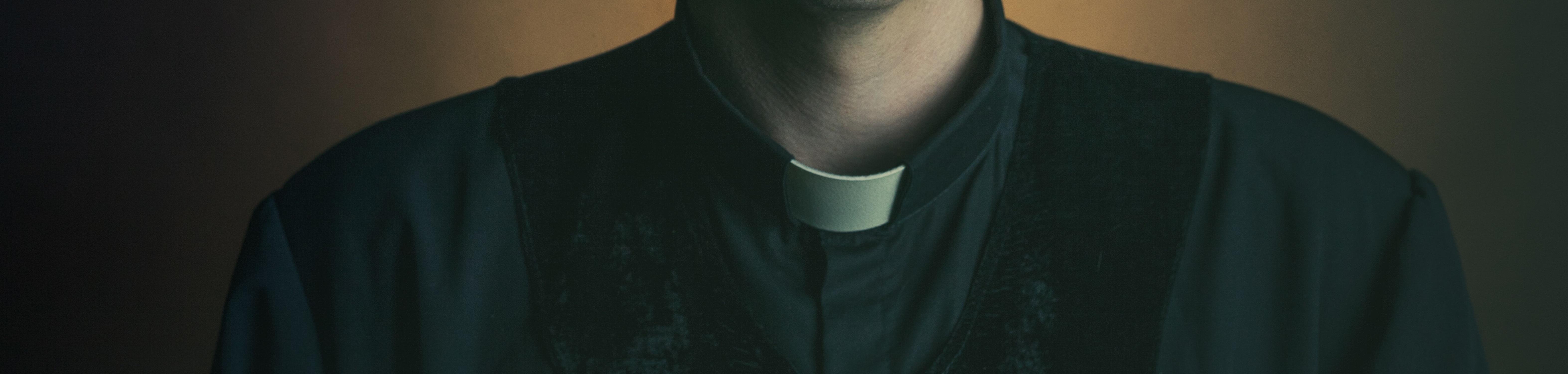 Dwaj księża latami gwałcili głuchonieme dzieci. Wykorzystywali je nawet w szkole