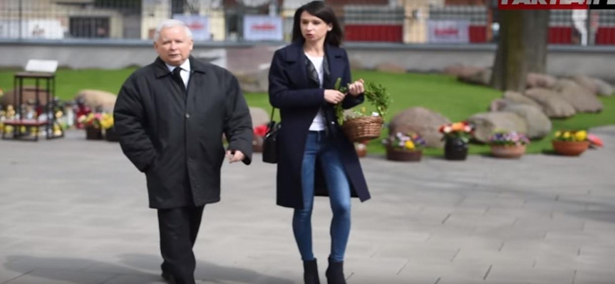 Tak wygląda grób rodziców Marty Kaczyńskiej na Cmentarzu Powązkowskim. Smutny widok