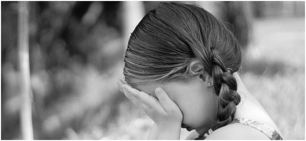 11-latka usłyszała krzyki młodszej koleżanki i rzuciła się na pomoc. Gdy z wody wyłonił się potwór, zrobiła niesamowitą rzecz