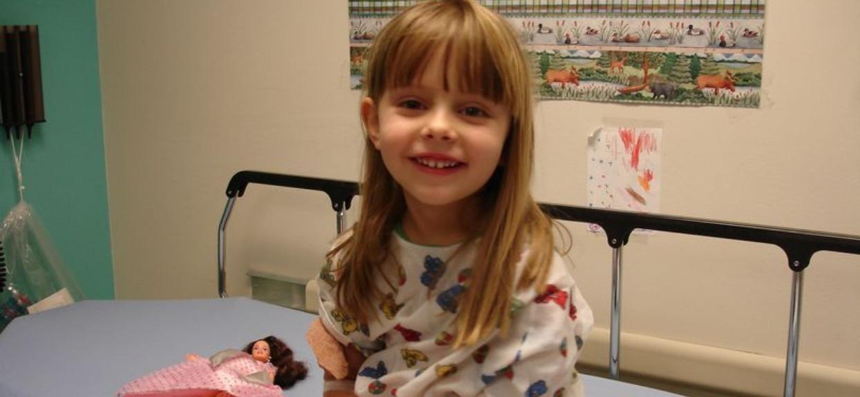 3-dni po strasznej śmierci 6-latki mama zajrzała do szafki dziewczyny. Znalezisko ścięło ją z nóg
