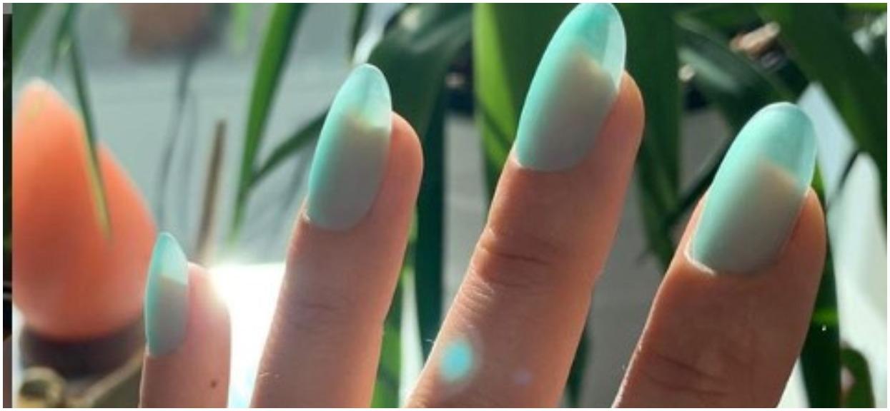 To najpiękniejsze paznokcie hybrydowe 2019 roku? Wyglądają jak skrzydełka wróżki, prawdziwe cuda