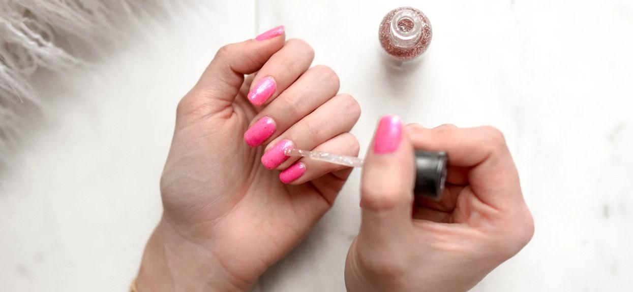 Chciała tylko zrobić sobie paznokcie. Nagle pracownica salonu kosmetycznego na jej oczach zaczęła ćwiartować zwłoki
