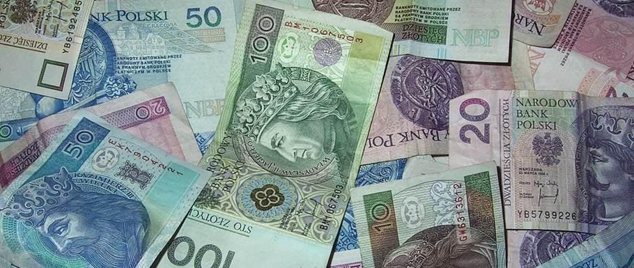 Popularny bank zapłaci nawet 1000 złotych swoim klientom. Trzeba spełnić tylko jeden warunek, czasu zostało już niewiele