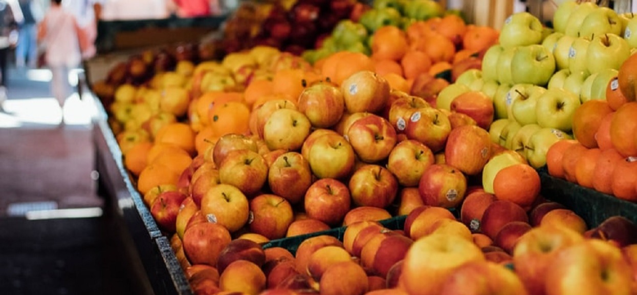 Ceny zwyczajnych jabłek już niedługo zwalą nas z nóg. Przydadzą się zapasy, bo będą produktem luksusowym