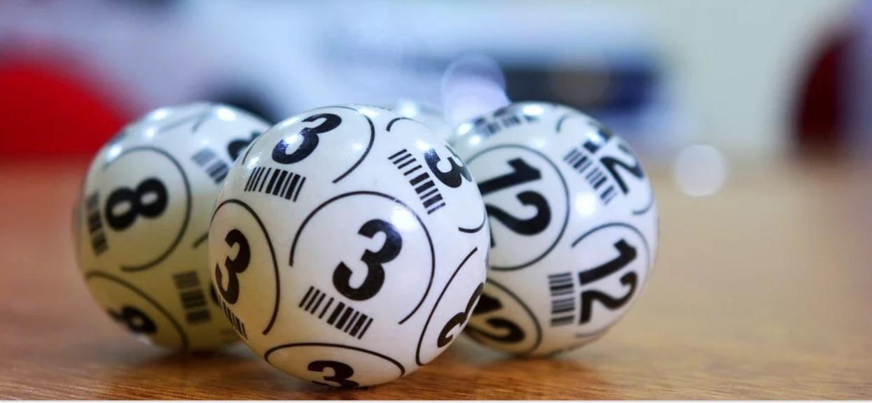 Rodzice wygrali na loterii 500 mln złotych. Niewiarygodne, jakie życzenia miały ich dzieci, przy dwóch chce się płakać