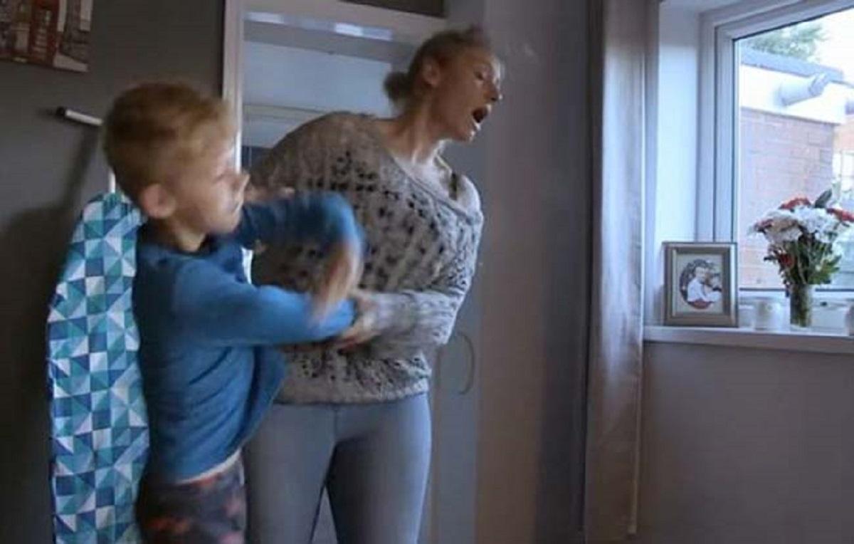 """Matka przeżywa horror na żywo. Jej 9-letni syn to """"bestia"""""""