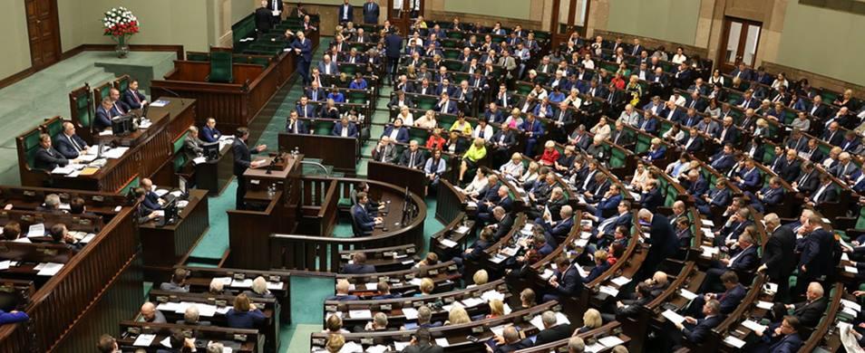 """Sejm wybrał marszałka. """"Wiem, że dasz radę utrzymać nas tu wszystkich w ryzach"""""""
