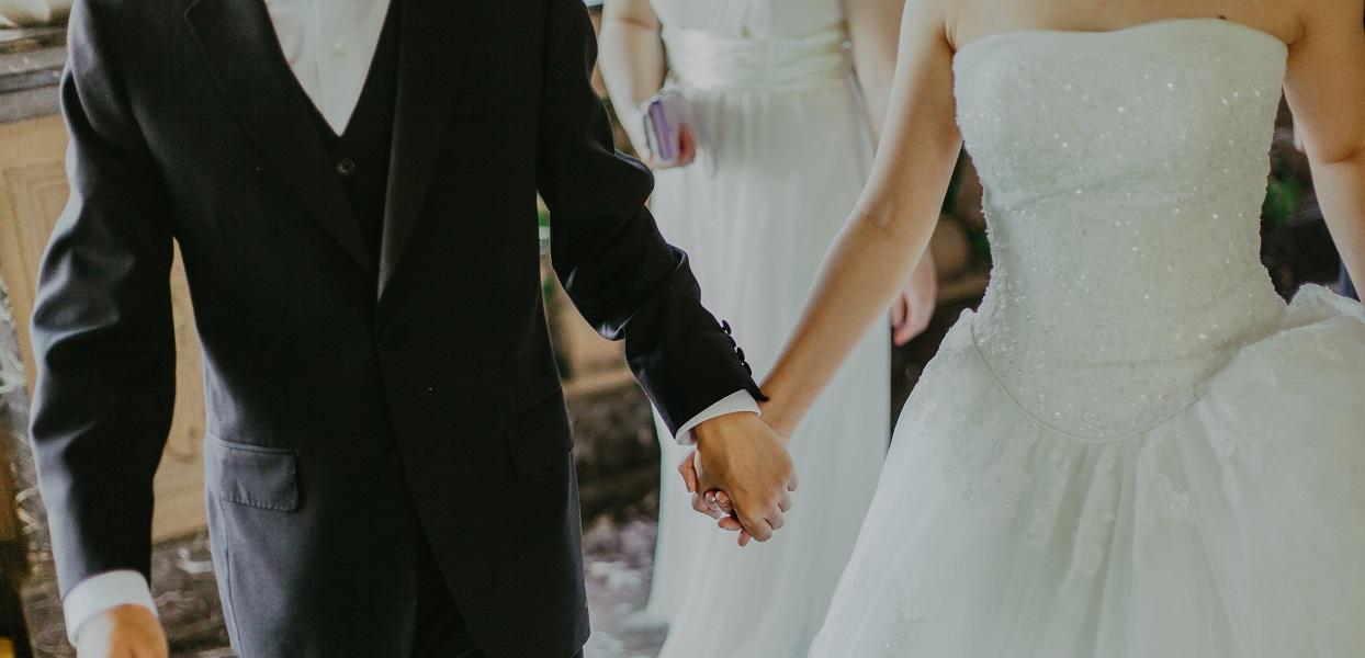 Ile dać w kopercie na wesele? Będziesz zdziwiony jakie obowiązują reguły, są bardziej skomplikowane niż się wydaje