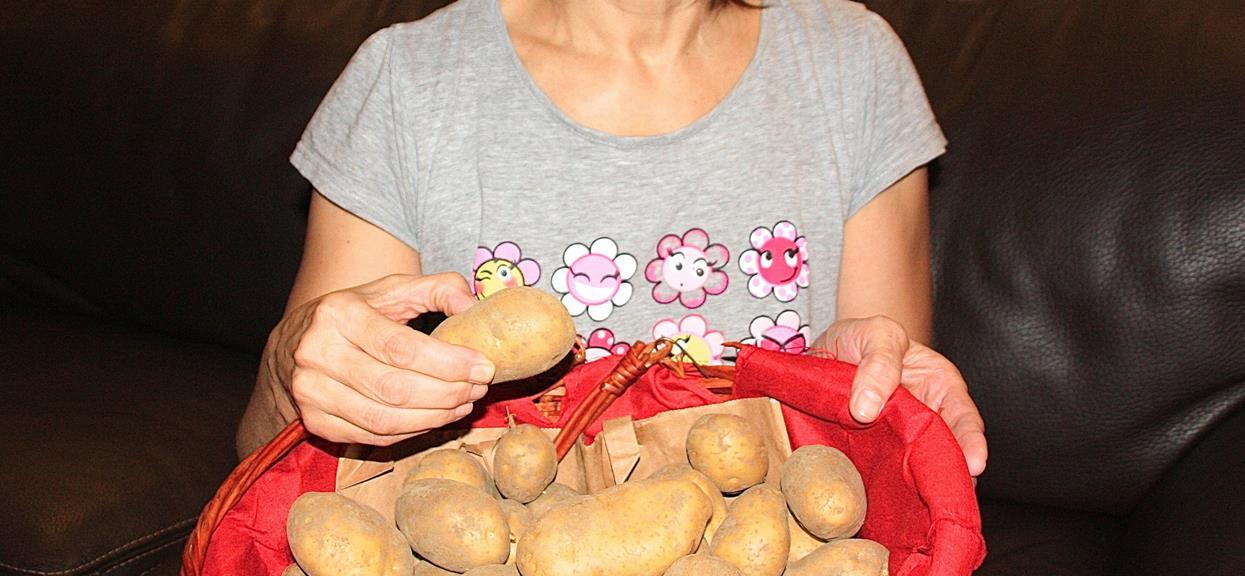 Mąż zobaczył jakie ziemniaki kupiła żona. Natychmiast wezwał policję, dostrzegł zagrożenie