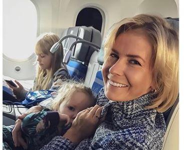 Żona Cezarego Pazury leciała z trójką dzieci. Pasażerowie byli cali w nerwach, ale potem nie dowierzali