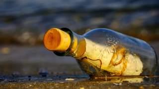10-latek wypuścił w morze list w butelce. 9 lat później listonosz zapukał do jego drzwi i wręczył mu odpowiedź