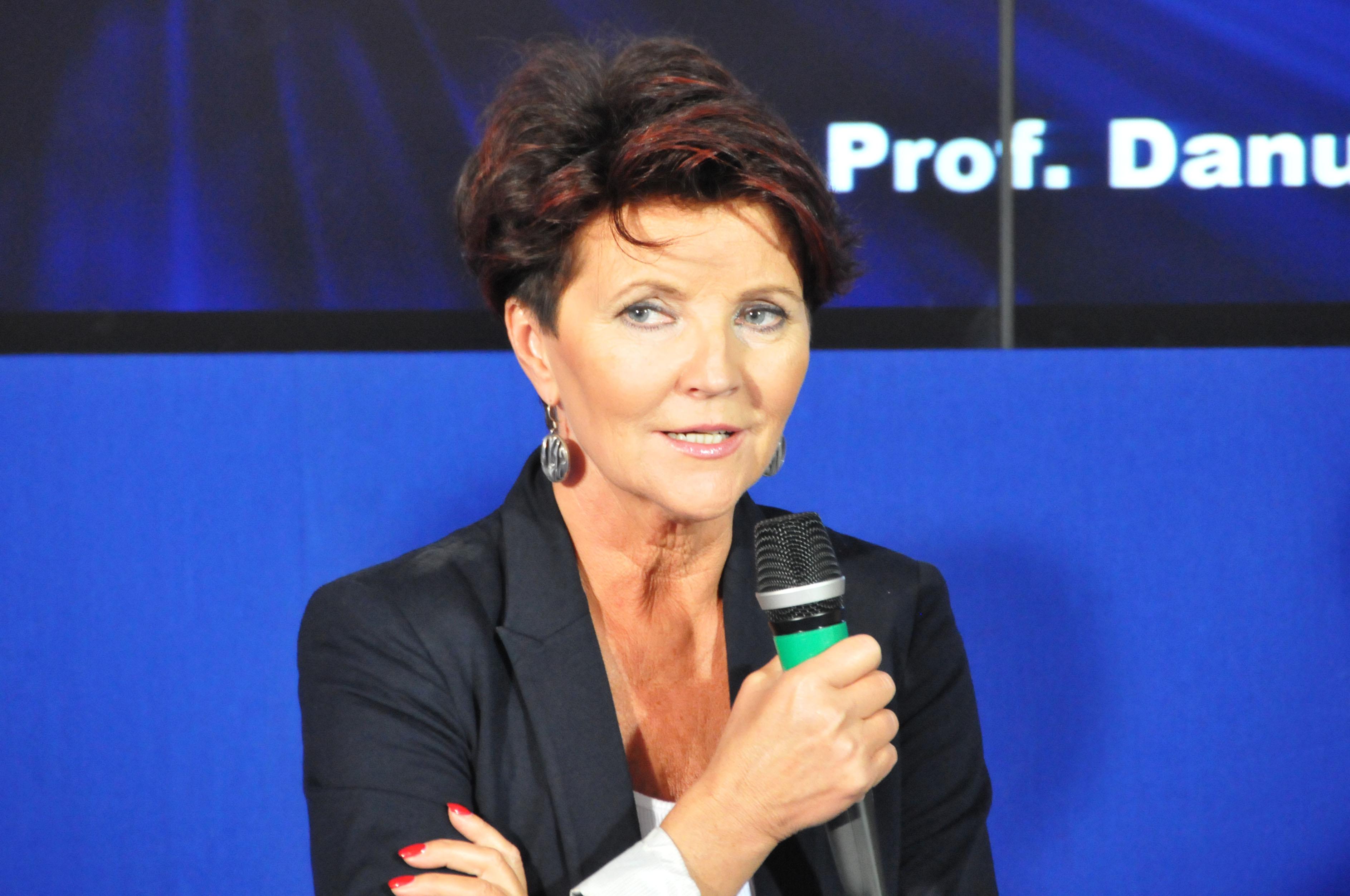 """Jolanta Kwaśniewska prosi Polaków o przebaczenie. """"Ubolewam i strasznie jest mi przykro"""""""