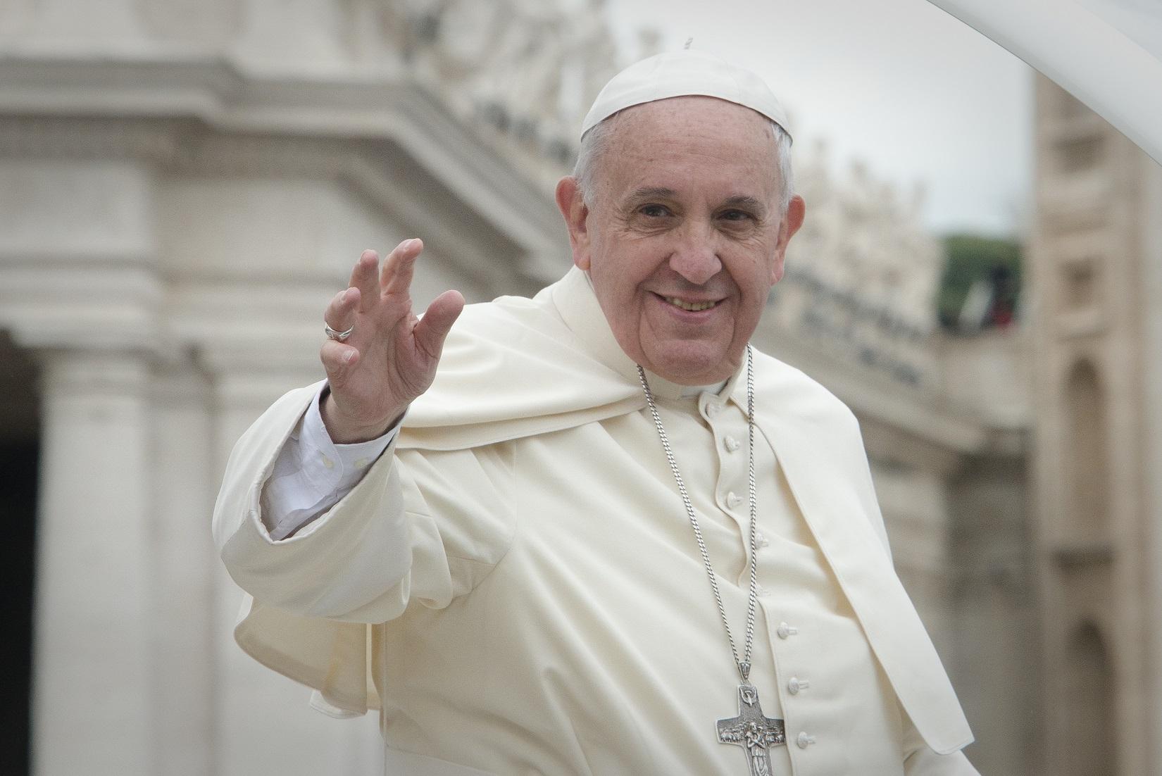 """W końcu przełom w Watykanie? Franciszek znosi """"papieską tajemnicę"""" ws. nadużyć seksualnych księży"""