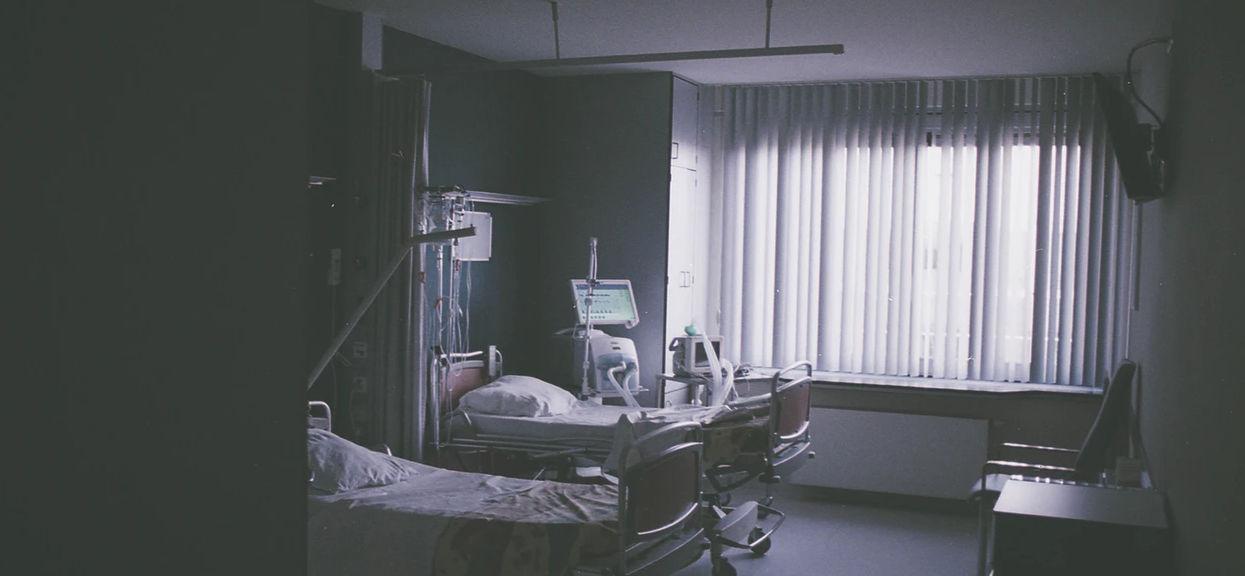 Wielokrotny reprezentant Polski tuż przed wigilią trafił do szpitala. Smutne informacje o zdrowiu piłkarza