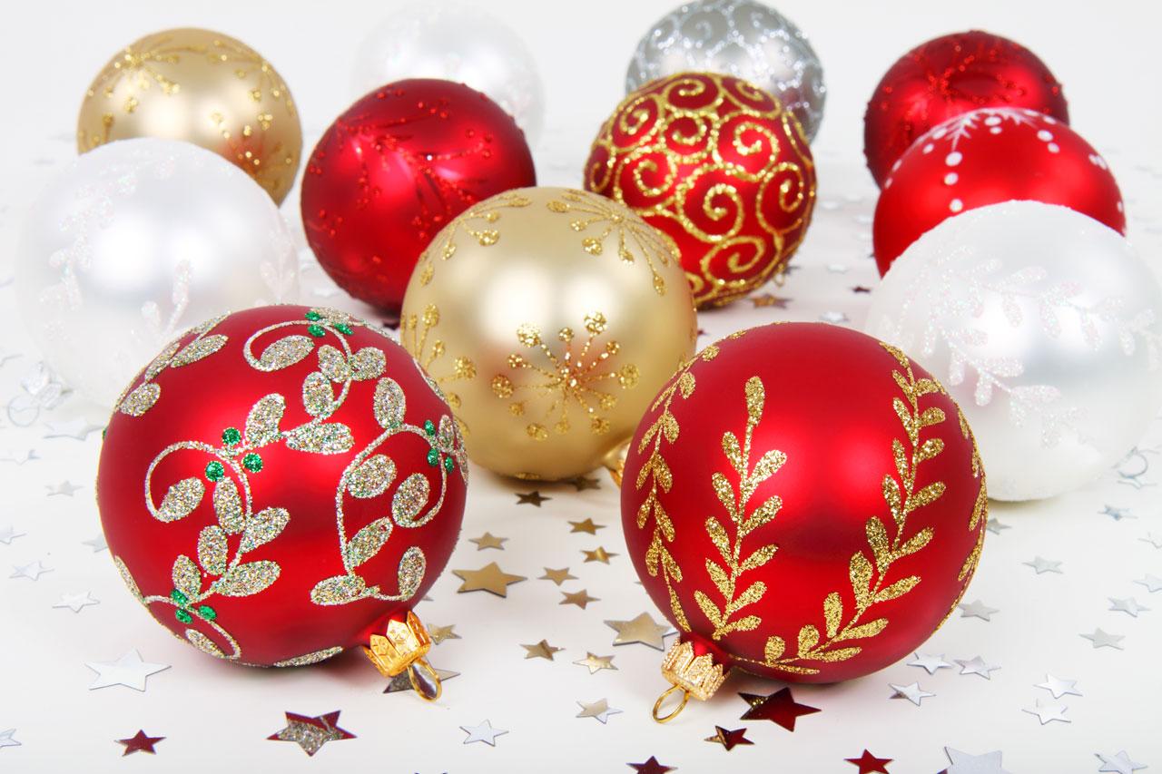 W bombkach i ozdobach świątecznych wykryto groźne toksyny. Ich działanie na ludzki organizm jest straszne