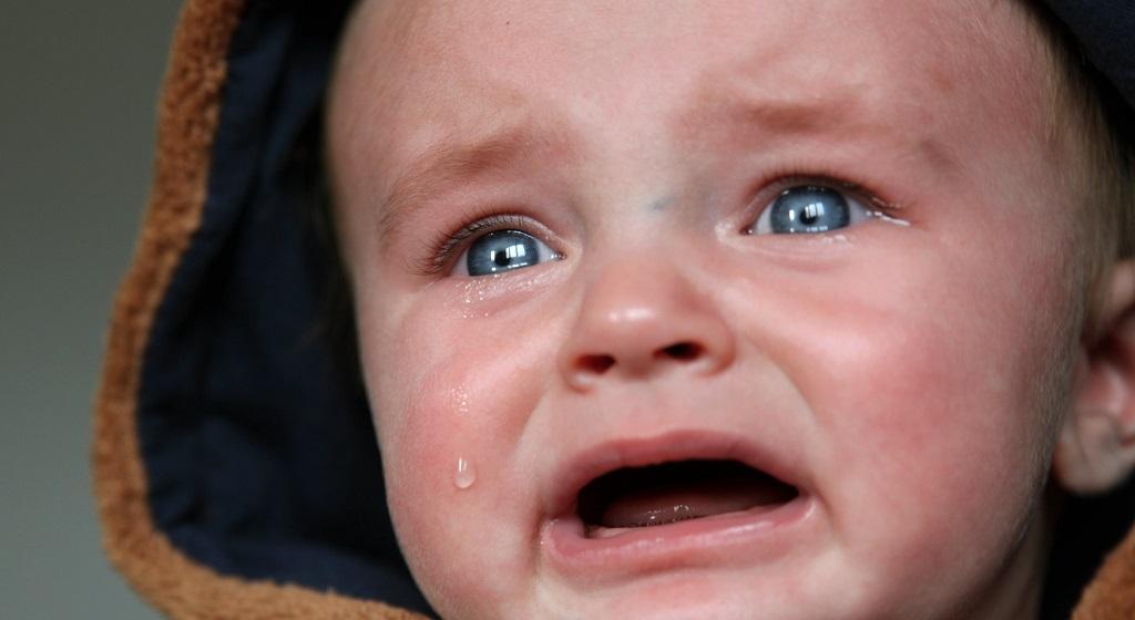 Mama zawiązała małemu dziecku plastikową torbę na głowie. Ale najgorsze zrobiła dopiero później, była wyjątkowo okrutna