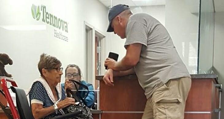 Emerytka została porzucona w najtrudniejszej chwili. Nagle usłyszała 6 zmieniających wszystko słów