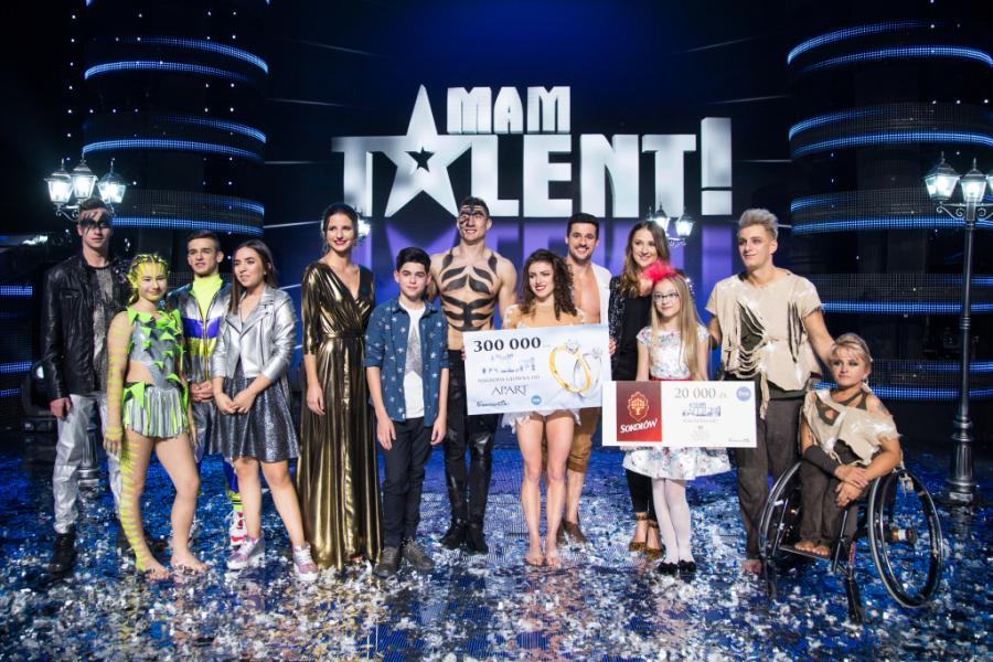 """Finalista """"Mam Talent"""" po ciężkim wypadku trafił na OIOM. Wciąż trwa dramatyczna walka o jego zdrowie"""
