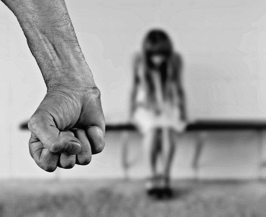 Małgosia poszła na imprezę i słuch po niej zaginął. 815 dni więzili ją, przywiązaną do łóżka bezustannie bili i gwałcili