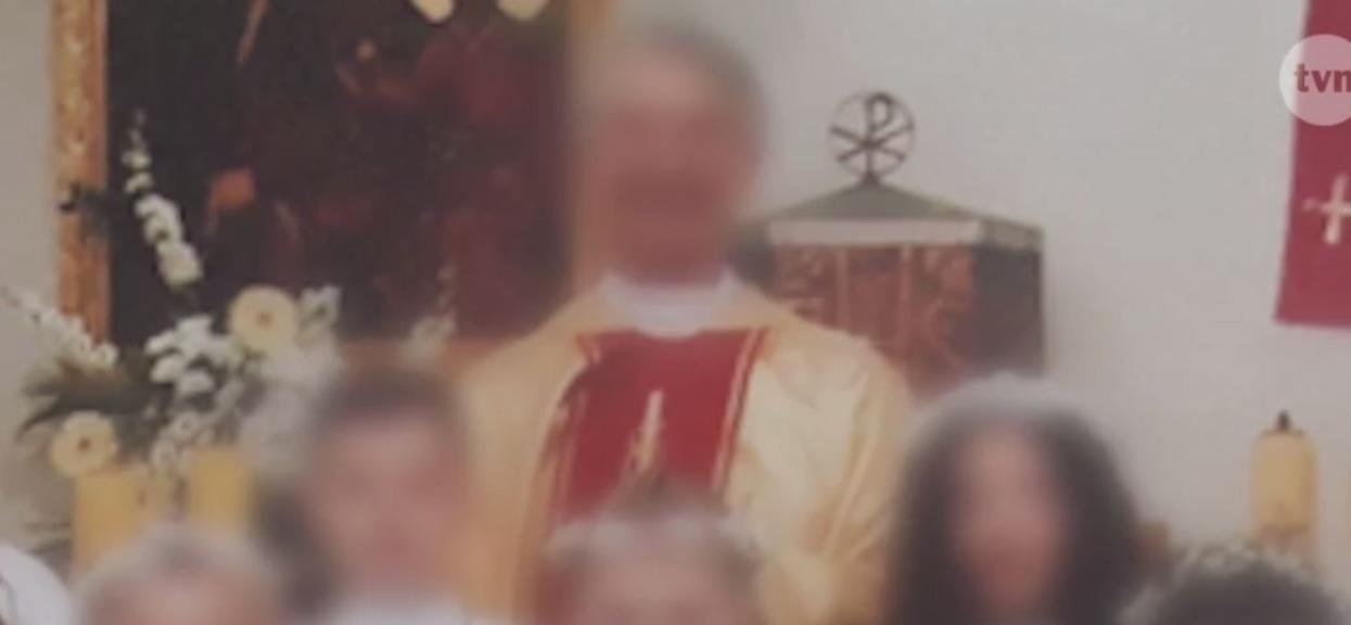 Parafianie bronią księdza zatrzymanego za pedofilię. Skrzywdzone dzieci i ich rodzice są napiętnowani i poniżani