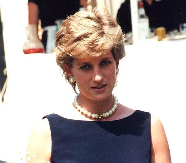 Wyciekły tajemne listy księżnej Diany. Ujawnia w nich całą prawdę nt. życia rodziny królewskiej, wielu będzie płakać