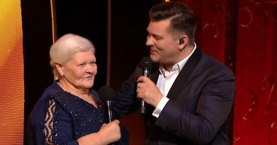 Mama Zenka Martyniuka niespodziewanie złapała za mikrofon na antenie TVP. Niezwykłe wydarzenia na scenie