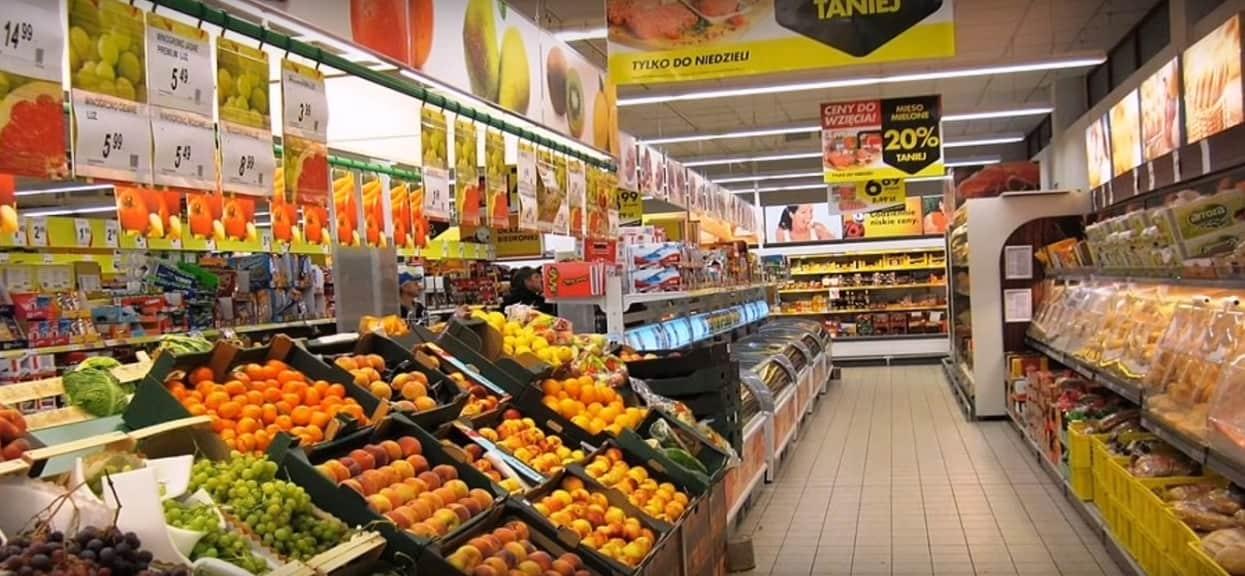 W Lidlu sprzedają mięso za grosze, a w Biedronce tanie sery i słodycze. Najnowsze promocje zwalają z nóg