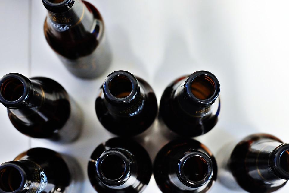 Pije go niemal każdy Polak, a bezpieczna dawka nie istnieje! Powoduje zabójczy nowotwór