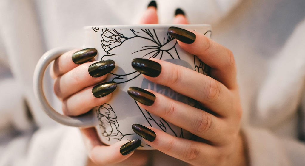 Cudowny trik, który odmłodzi Twoje dłonie o 10 lat bez drogich kosmetyków. Nikt nie będzie mógł oderwać wzroku od Twoich rąk