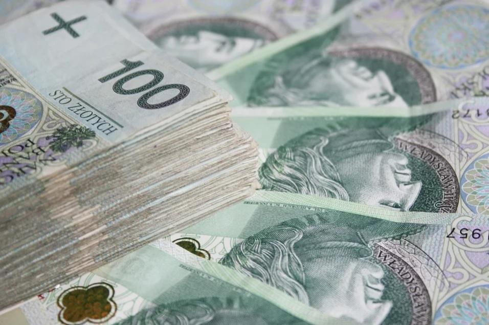 Zarobisz ogromne pieniądze! Nie wyrzucaj starych bonów, książeczek mieszkaniowych i banknotów z PRL
