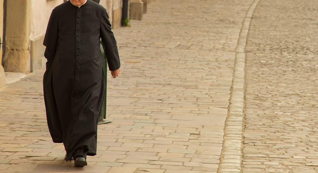Jak można było tego nie dostrzec. Ksiądz w polskiej parafii przez 10 lat miał molestować dzieci
