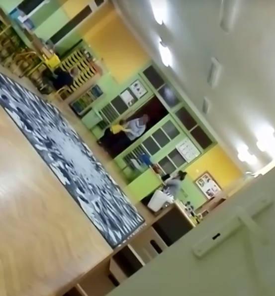 Nauczycielka szarpała i rzucała dzieckiem. Wstrząsające nagranie z polskiego przedszkola