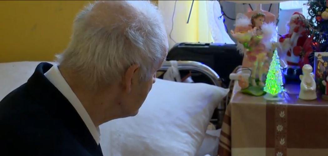 Dramat tysięcy emerytów przed świętami. Lekarze głośno mówią o pladze, wstrząsające dane