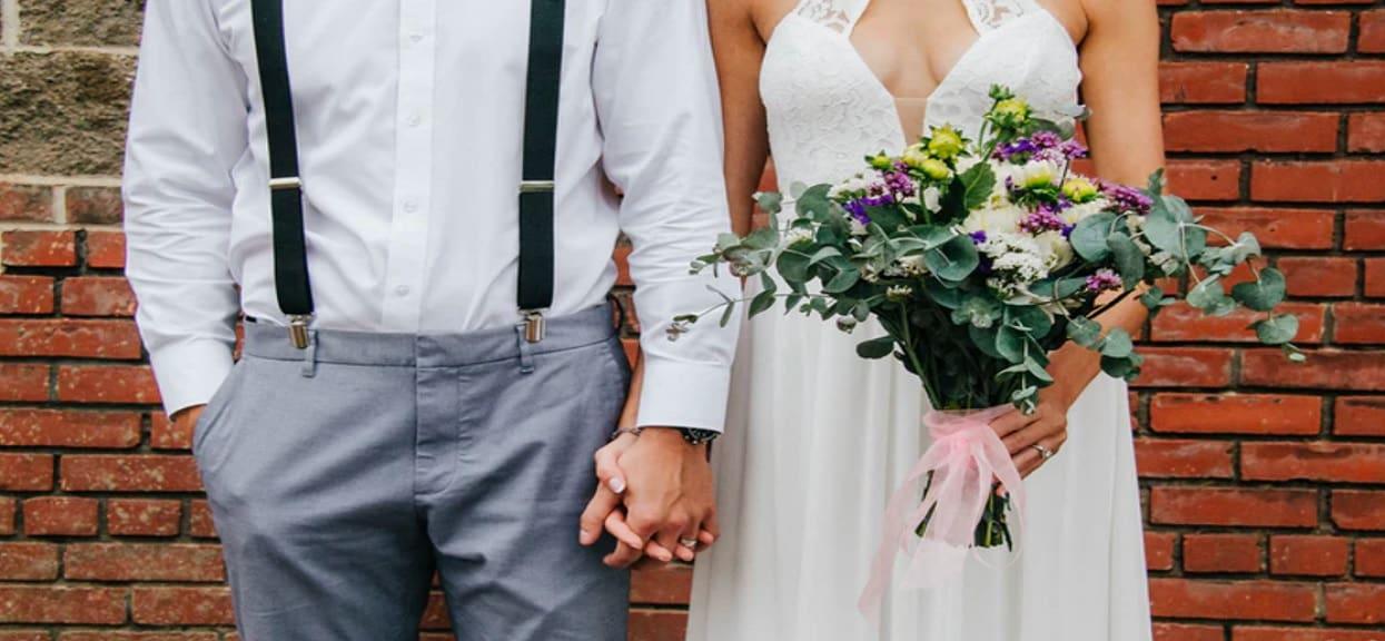 Ksiądz odmówił im ślubu z absurdalnego powodu. Po jego słowach stracili wiarę w ślub kościelny