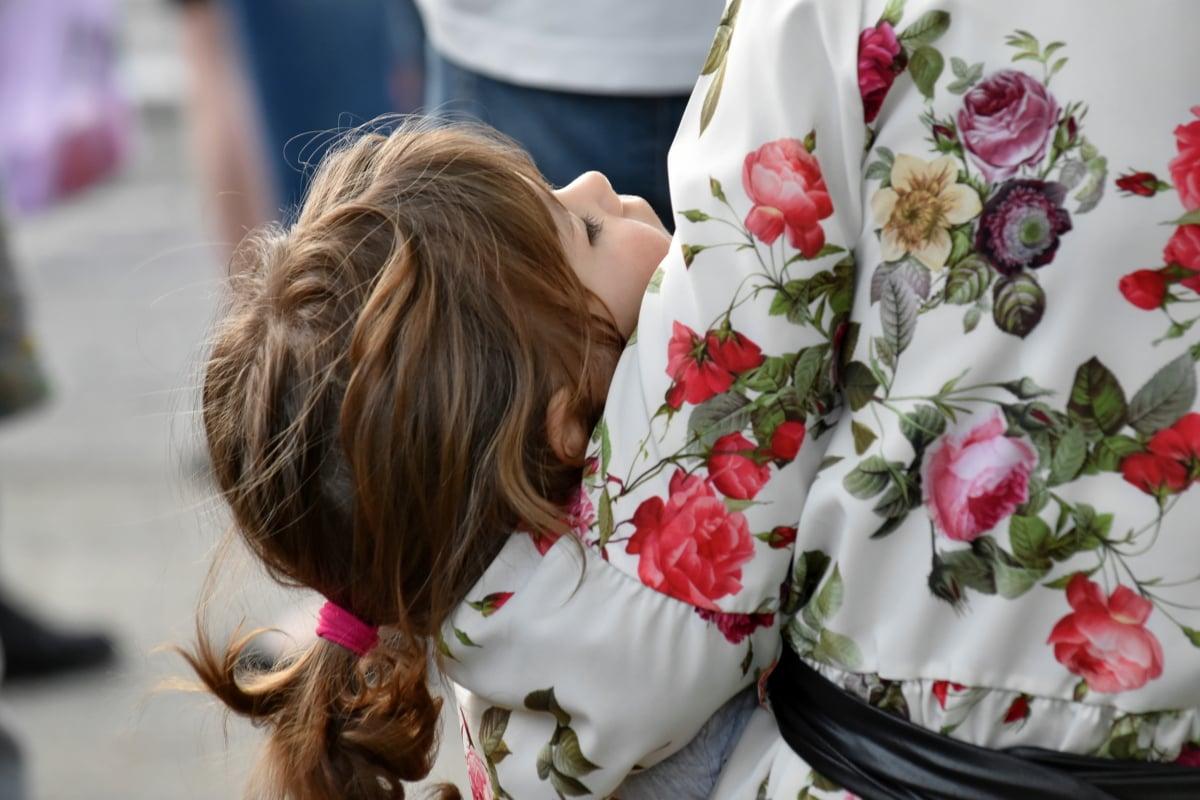 Rodzice postanowili wziąć ślub. Ich umierająca córka wypowiedziała 8 porażających słów, łzy same lecą z oczu